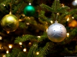 Christmas-Tree-Ornaments-576093[1]
